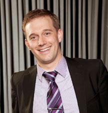 Wolfgang Brugger Ehemaliger Turniertänzer der höchsten internationalen Klasse (S) (1998-2006) Ausgebildeter Tanzlehrer (2010) - wolfgang